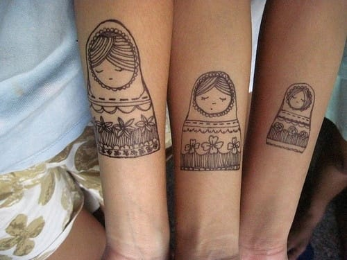 Perfect tattoo idea for sisters: Nesting dolls!!! :) The smallest one on the youngest. Ultra cool!