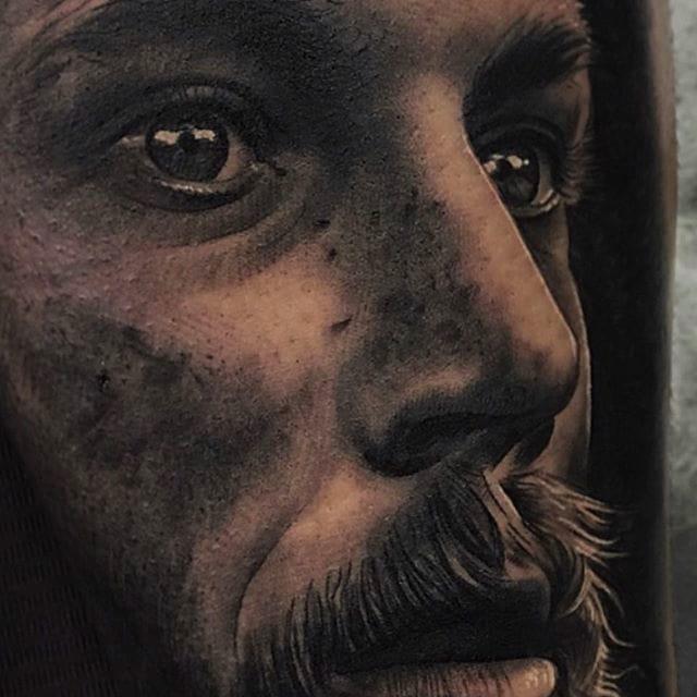 Show-stopping Portraits by Jumilla Olivares