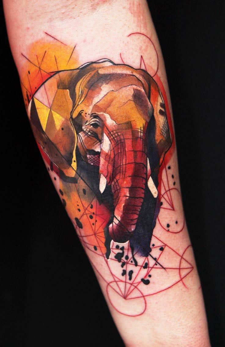 Graphic tattoo by Ivana Belakova.