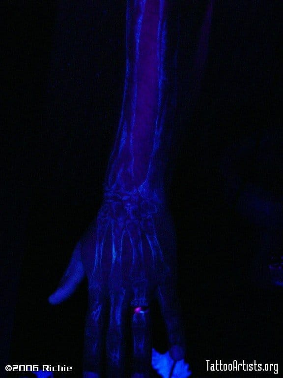 UV ink bones tattoo by Richie: what do you think?
