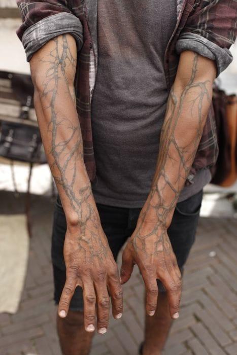 Veins tattoo (unknown artist, please credit).
