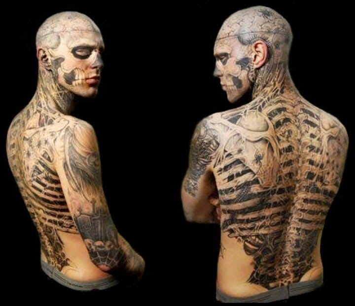 And indeed, you cannot talk of anatomic tattoos without a sick picture of Rick Genest aka Zombie Boy...