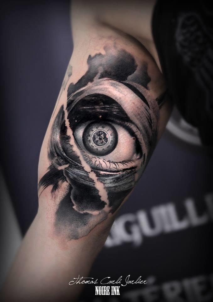 Amazing tattoo by Thomas Carli Jarlier...