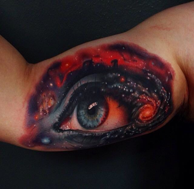 Another cosmic eye, this time by Andres Acosta.