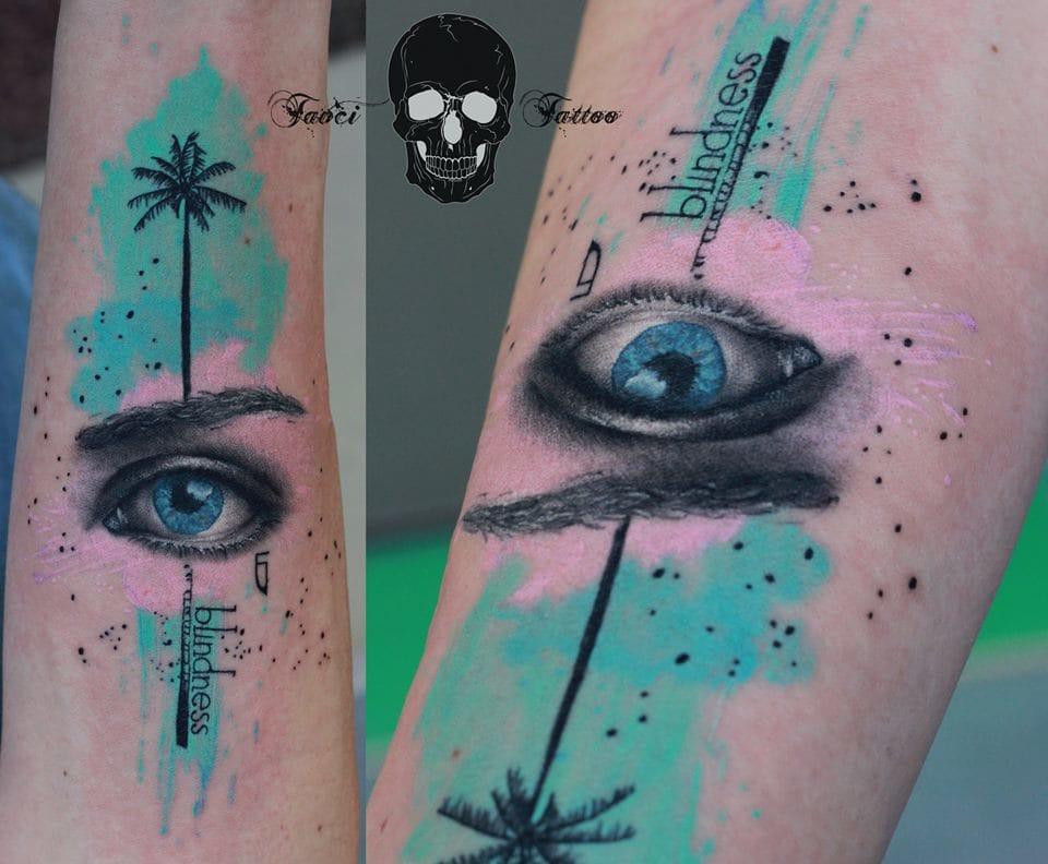 Nice graphic work by Simona of Tavci tattoo.