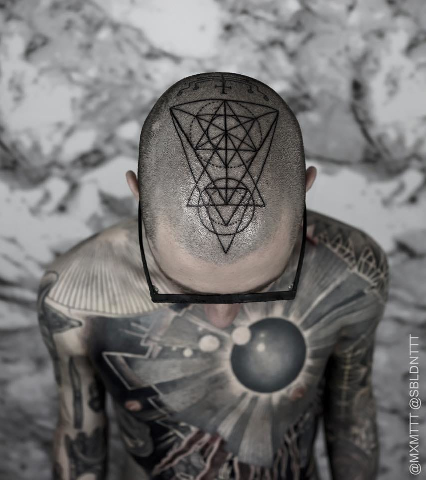 A whole bodysuit by Maxime Buschi aka MxM is nothing without the the sacred geometry tattoo on the top!