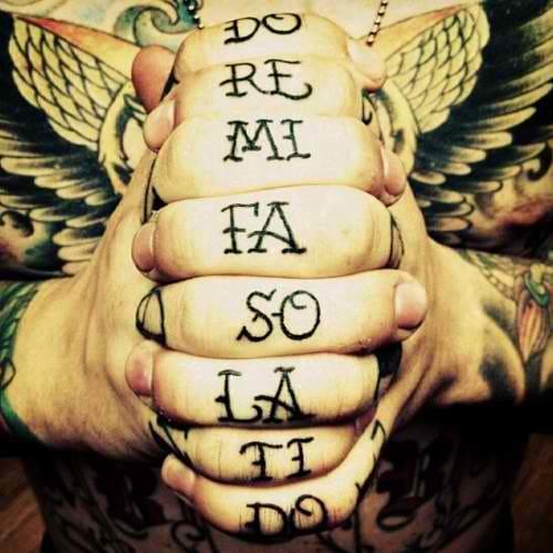 Music lover lettering finger tattoo. Artist unknown #finger #fingertattoos #lettering