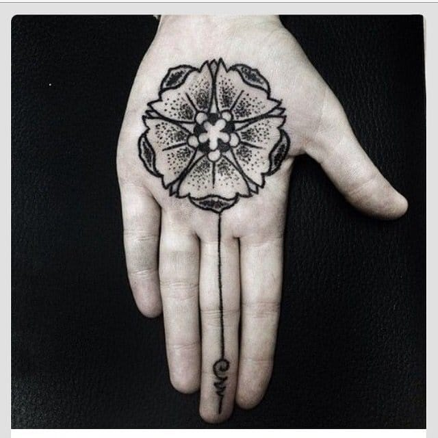 20 Geometric And Blackwork Palm Tattoos