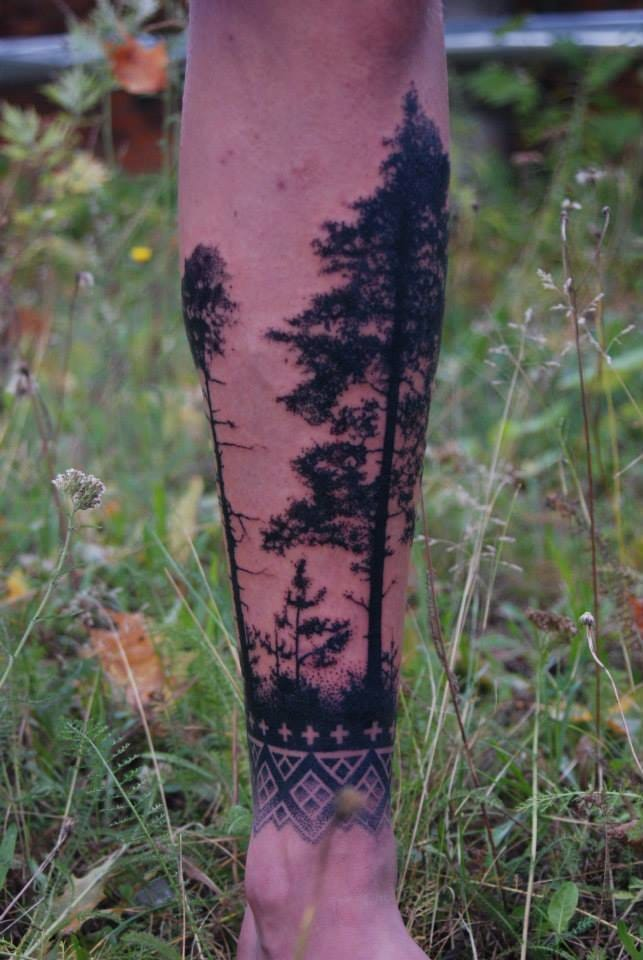 Cool tree tattoo by Mico Goldobin! #tree #micogoldobin