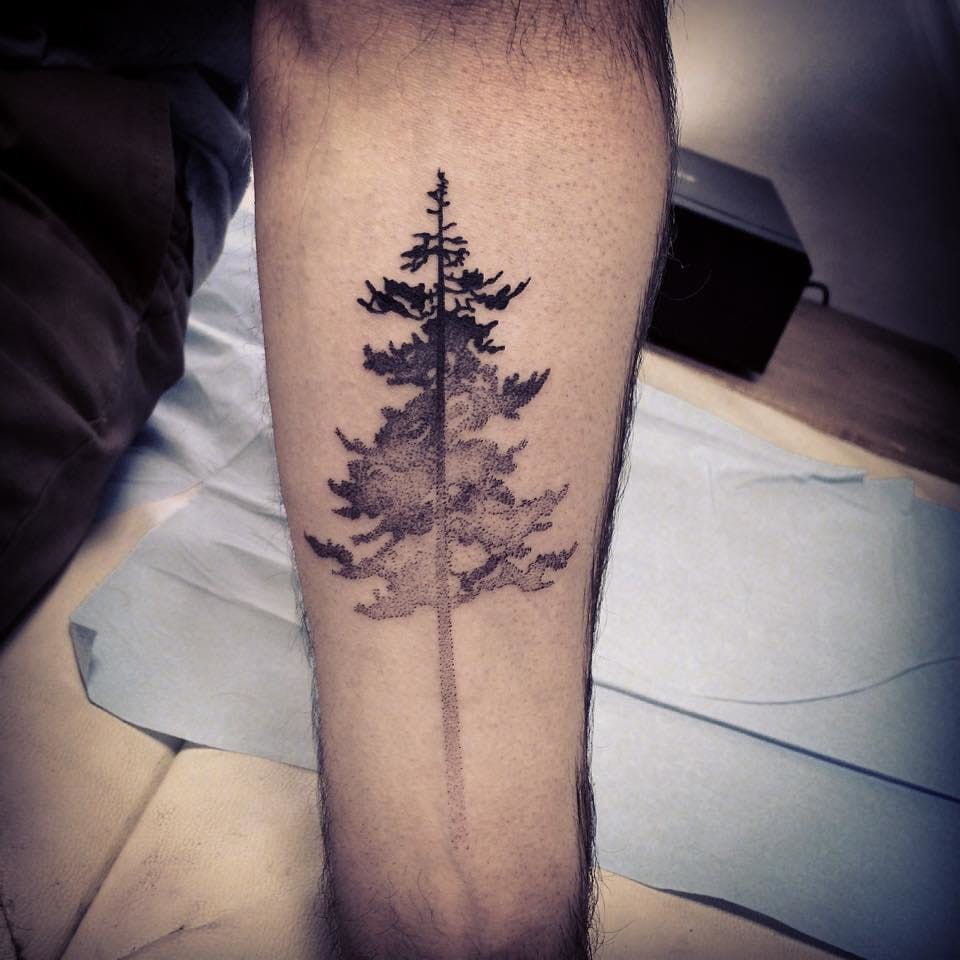 Nice dotwork effect by Dju Kran Duff. #dotwork #tree