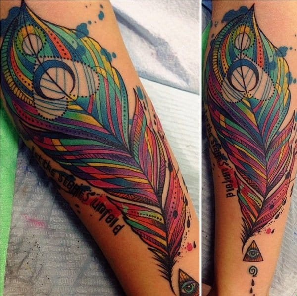 Peacock feathers by Katie Shocrylas  #feather #feathertattoo