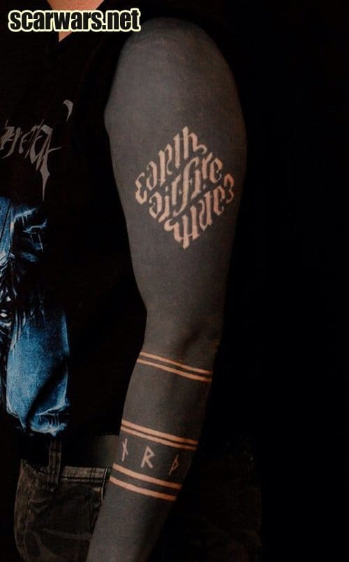 Ambigram scar performed by Christian Bedics.