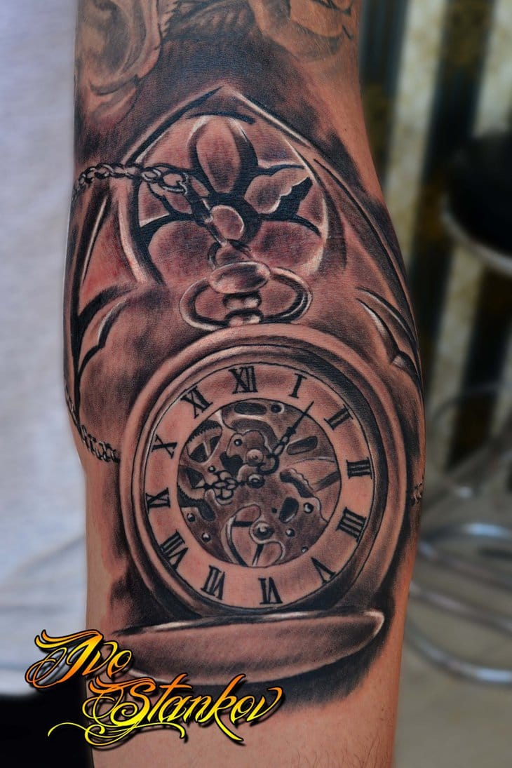 15 wonderful clock tattoos tattoodo. Black Bedroom Furniture Sets. Home Design Ideas