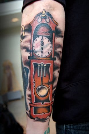 Love this grandfather clock...so original!!