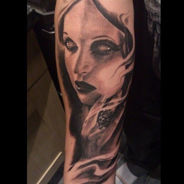 Carlos Torres did this eerie female vampire!