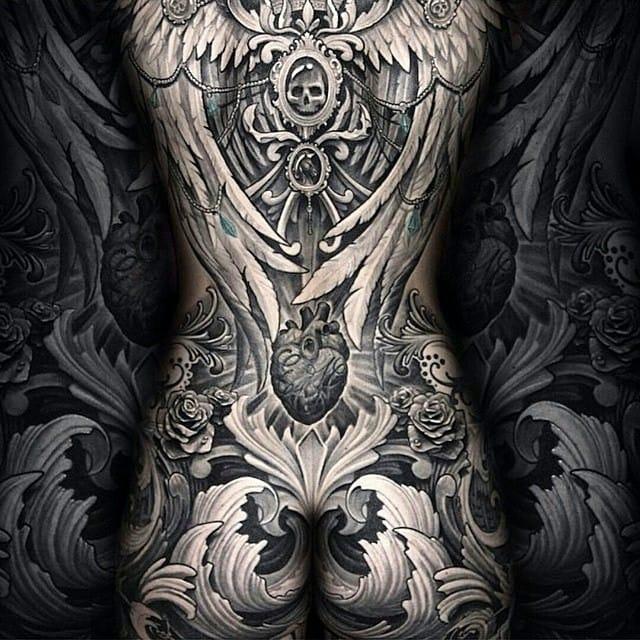Impressive piece by Julian Siebert.