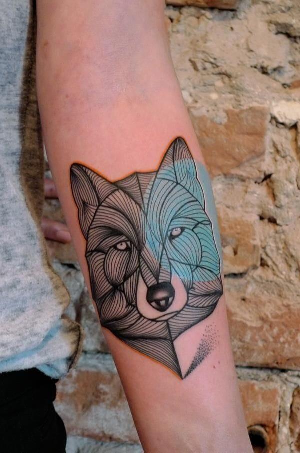 Beautiful wolf linework