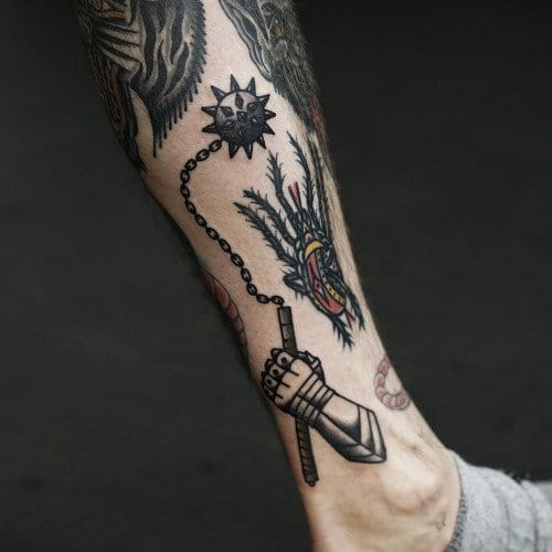 Cool small filler with an armor gauntlet and a blugeon by Philip Yarnell!