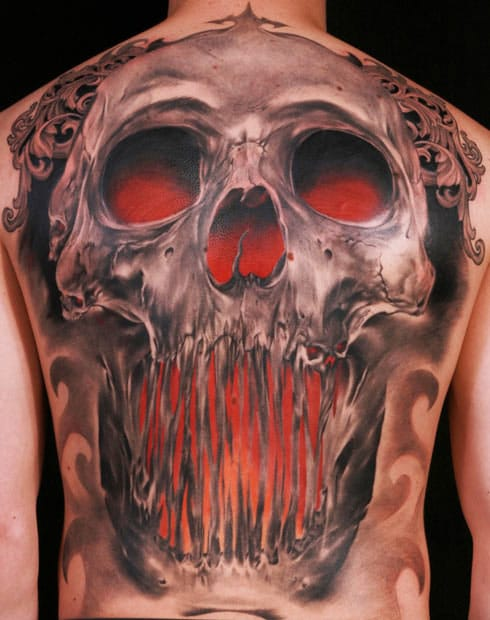 Of course, such a nice realistic back piece can only be by the great Niki Norberg. He is an awesome tattoo artist, that makes some great realistic skull tattoos. #skull #realistic #nikinorberg