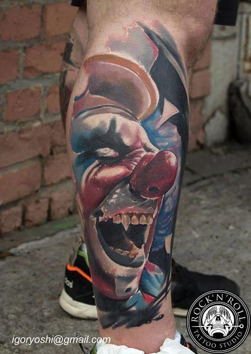 Frightening clowns are indeed good horror tattoos. Here by Igor Igoryoshi. #horrortattoo #horror #clown #creepyclown #creepy #IgorIgoryoshi