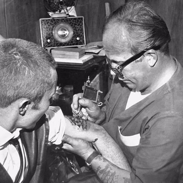 História Da Tatuagem: Conheçam Mr Lucky o Pai Da Tattoo No Brasil