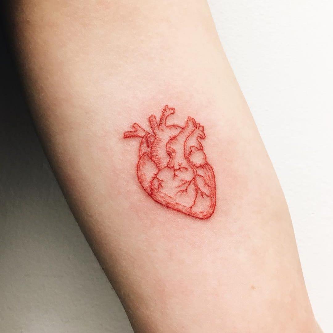 17 Tatuagens Com Tinta Vermelha Apaixonantes