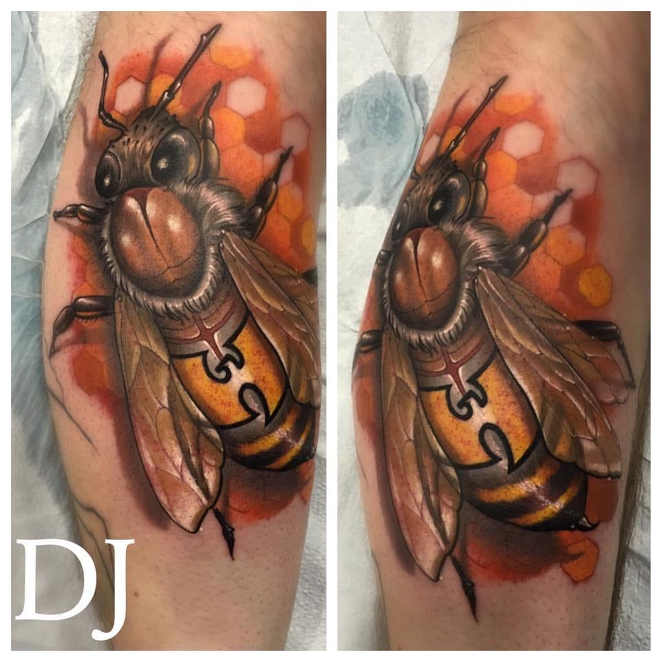 Terrific bee by DJ Tambe!