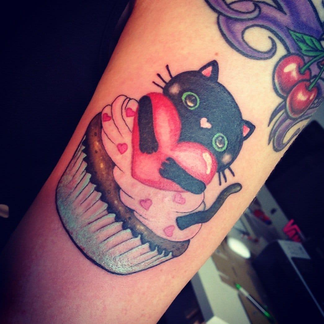 Que fofura! Como não amar esta tatuagem de Jeanine?