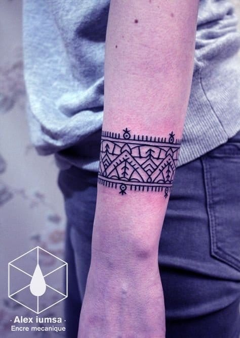 Or you can have your very own patterns customized by your tattoo artist. Ain't that awesome?