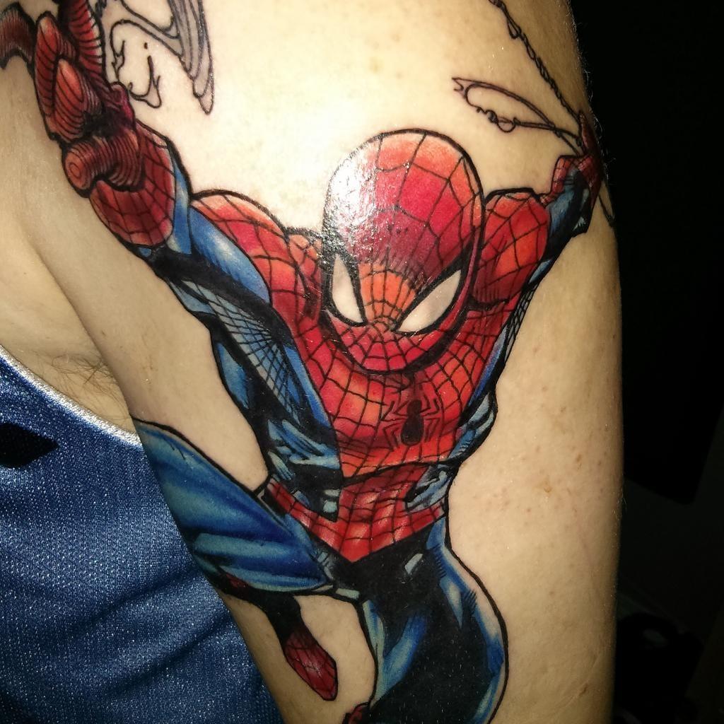 Homem Aranha em close por Ryan Cardinal