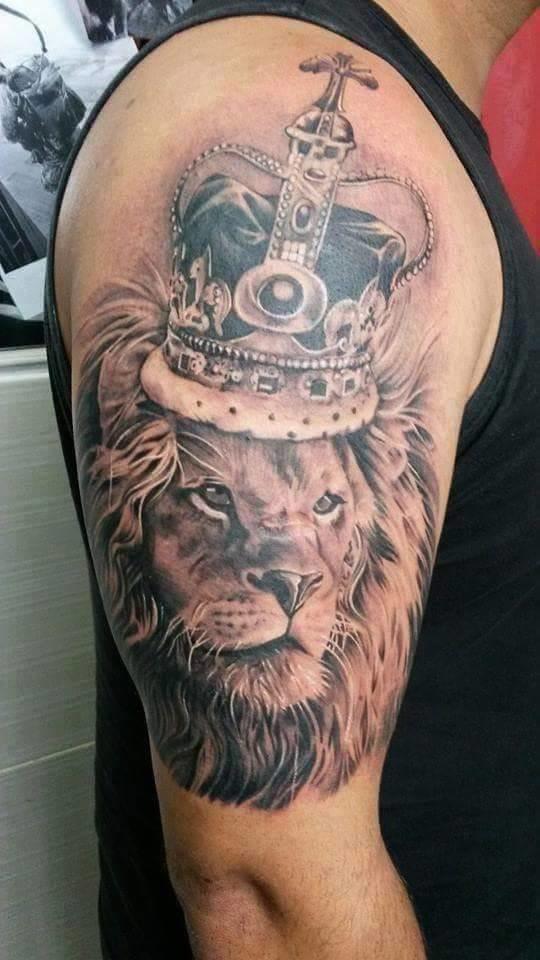 Todo Rei tem que ter uma coroa! Trabalho de Diego Nunes, São Gonçalo