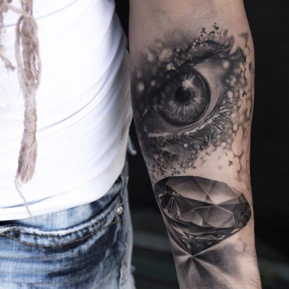 16 Realistic Diamond Tattoos To Die For