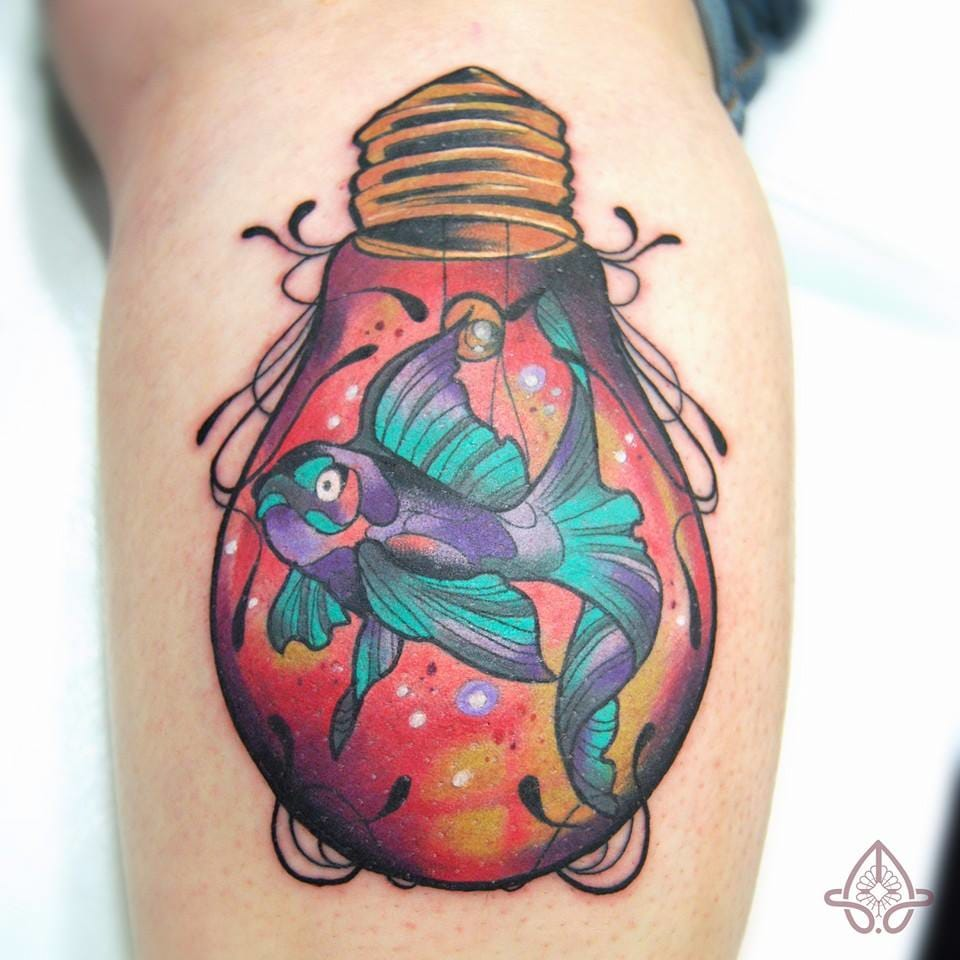 Another one of the little fish tattoos of Anais Allnt.