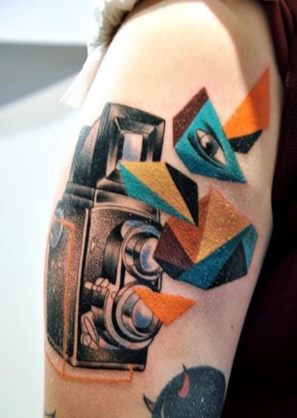 Abstract piece by Gulestus Tattoo