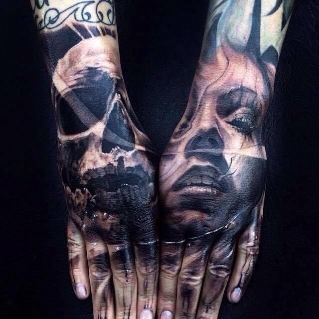 Tatuagens nas mãos de Jak Connolly