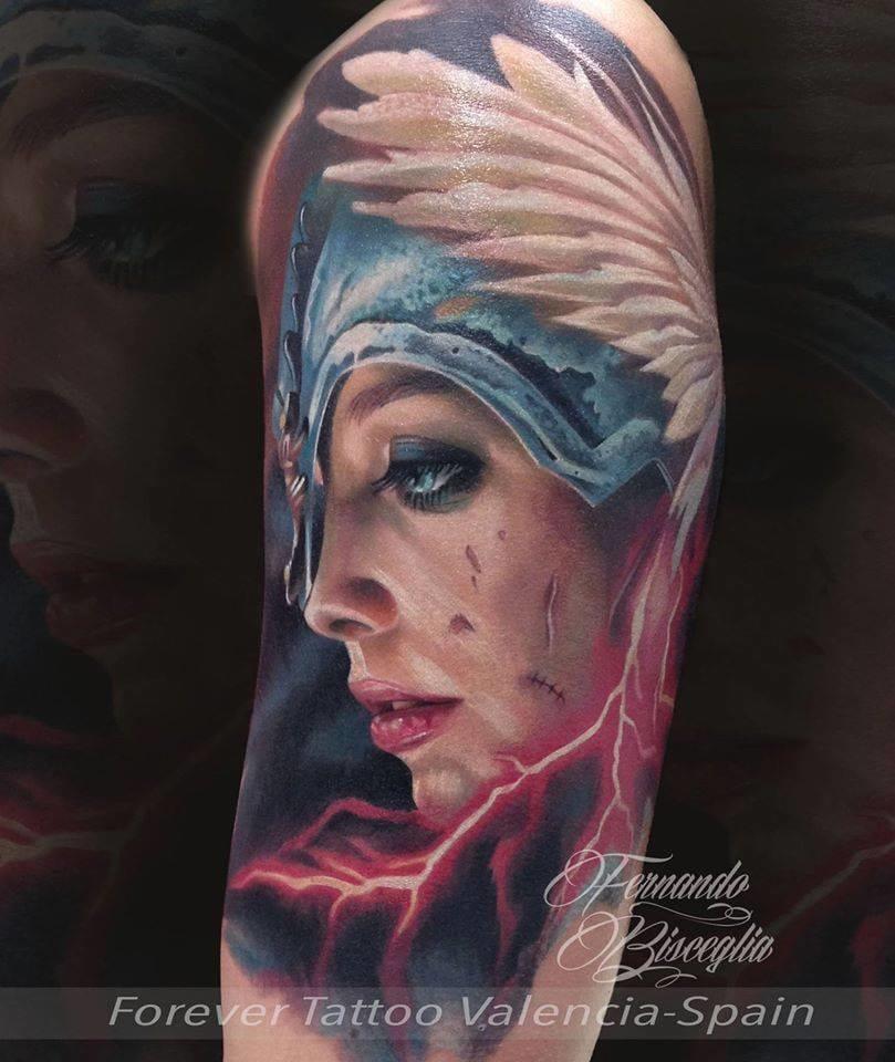 Linda e poderosa, tatuagem de Fernando Bisceglia