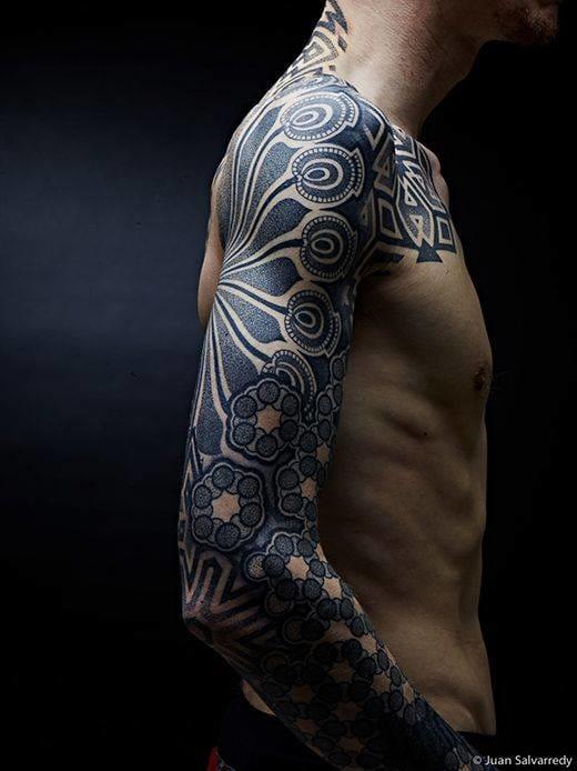30 Beautiful Dotwork Tattoos