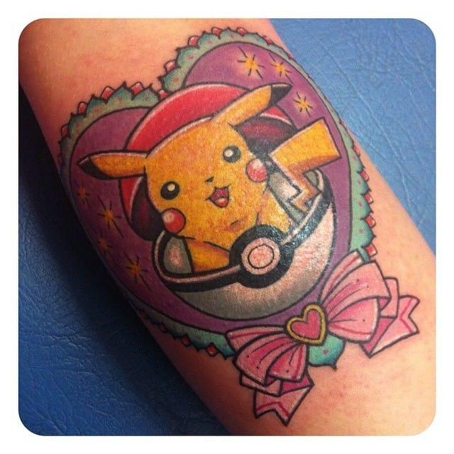Pikachu love by Sarah K...