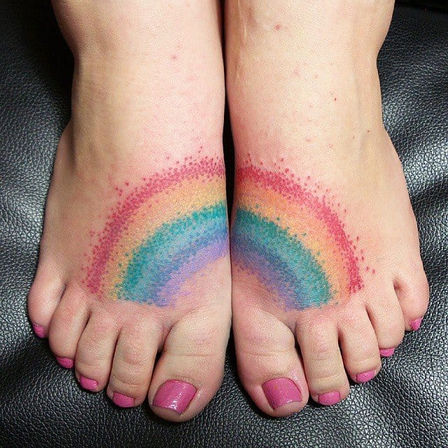Split rainbow tattoo on feet... Triple win! By Mia Misshake.