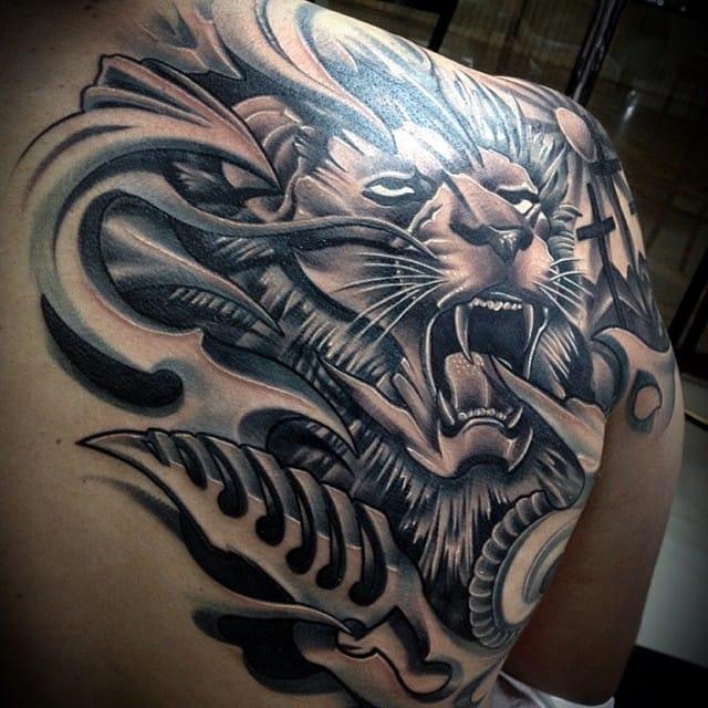 Leão feito por Jander