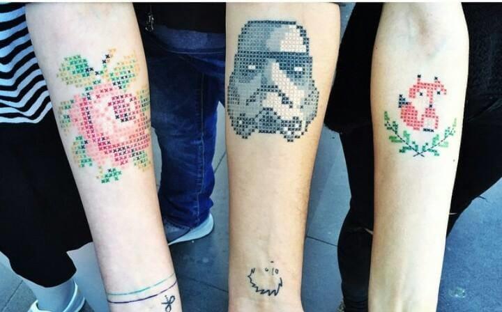 13 Tatuagens Em Ponto-Cruz: Voltar Ao Passado Nunca Foi Tão Legal!