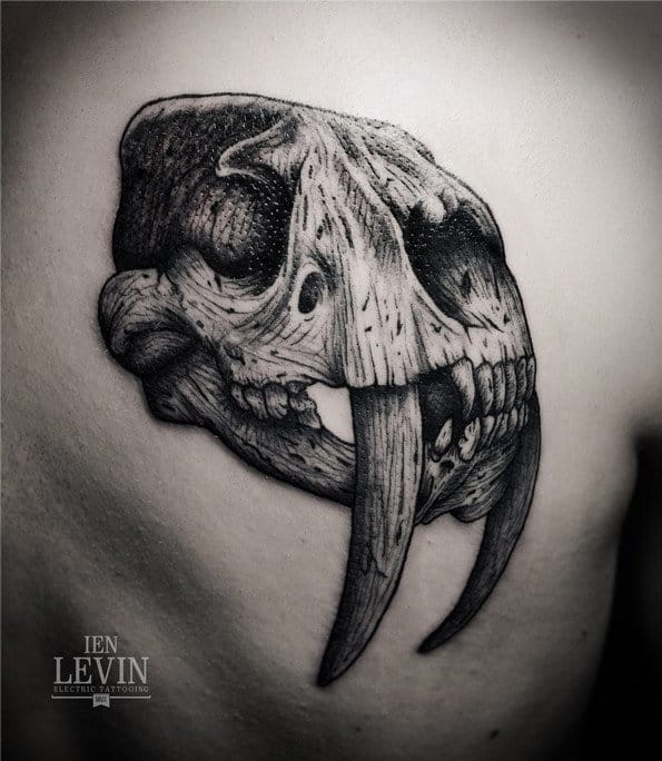 Brilliant black and grey work by Ien Levin