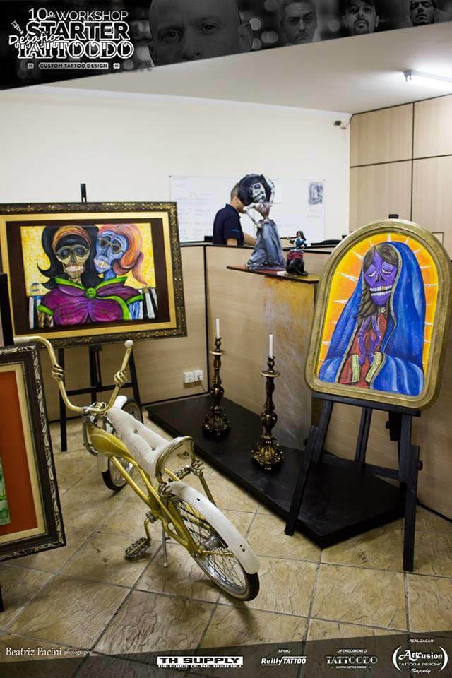 A grande maioria das artes que Jay faz, é com material achado no LIXO! Isso que é fazer ARTE!