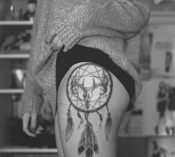 Dreamcatcher skull, artist unknown. #dreamcatcher #skull