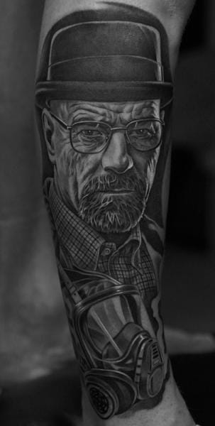 Of course we couldn't talk about gas masks with out a little cameo of Breaking Bad and our favorite anti-hero Walter White...tattoo by Jun Cha