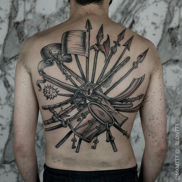 The old school weapons are the best... Badass backpiece by MxM!