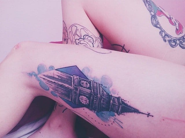 Lovely thigh piece by Tania Catclaw.