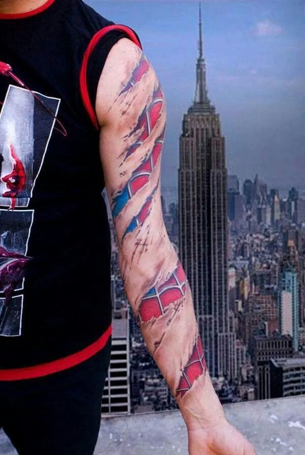 Spiderman sleeve by Lippo.