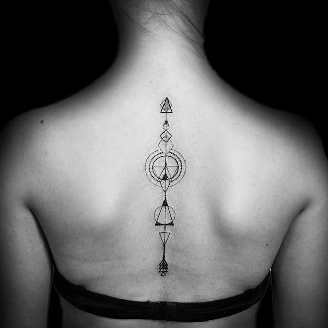 Lovely geometric piece by Sara Reichardt.