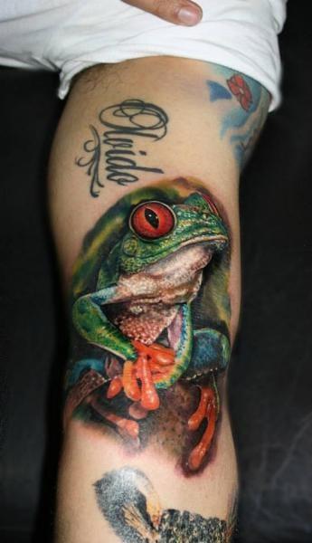 Realistic Frog Tattoo by Carlox Tattoo